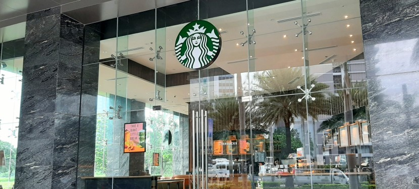 My Observations: Starbucks Coffee at One Griffinstone in Alabang
