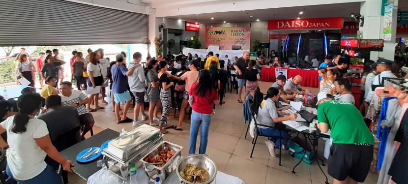 My Observations: Hundreds Flock to COMELEC Satellite Registration for Barangay BFHomes
