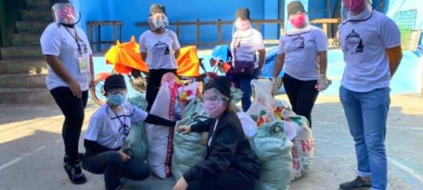 COVID-19 Crisis: Barangay BF Homes Sangguniang Kabataan distributes relief goods toconstituents