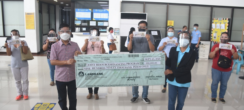 """COVID-19 Crisis: Muntinlupa City Government grants zero-interest loan to 112 """"Muntipreneurs"""" to help them recover amidpandemic"""