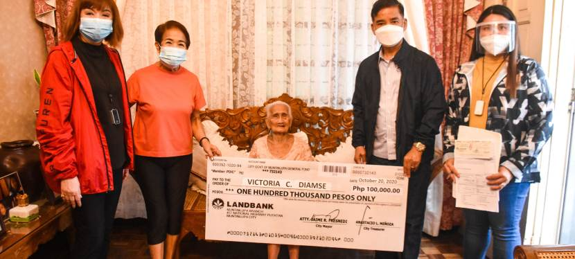 Muntinlupa City Government turns over P100,000 incentive to local centenarian