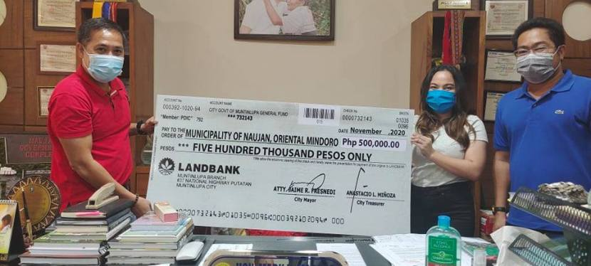 Naujan Town receives P500K aid from Muntinlupa City