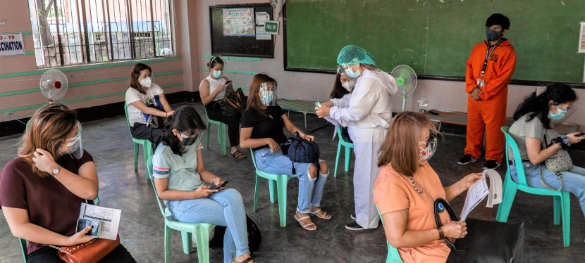 COVID-19 Crisis: 5,926 health workers in Muntinlupa receive COVID-19 vaccines, City Government prepares for seniors' vaccination