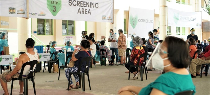 COVID-19 Crisis: More senior citizens of Las Piñas City vaccinated with AstraZeneca
