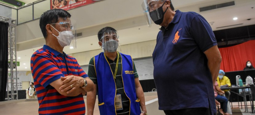 COVID-19 Crisis: DOTr Sec. Tugade lauds vaccination in Muntinlupa City, vows to request more vaccine supply for thecity