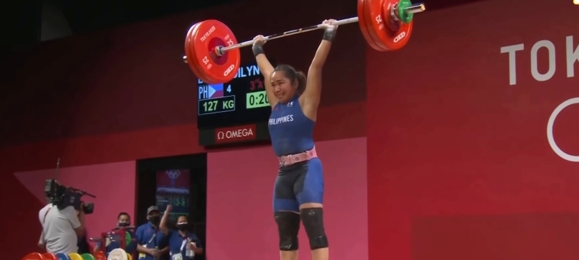 Hidilyn Diaz wins the first-ever Olympic gold medal for thePhilippines!